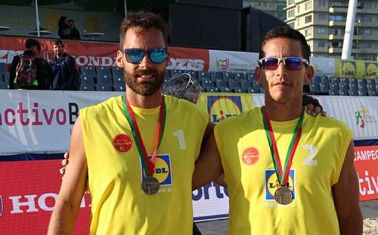 Alumni P.PORTO sagram-se vice-campeões de voleibol de praia