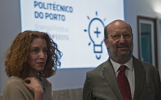 """""""Energia Positiva"""" em duas Escolas do P.PORTO"""